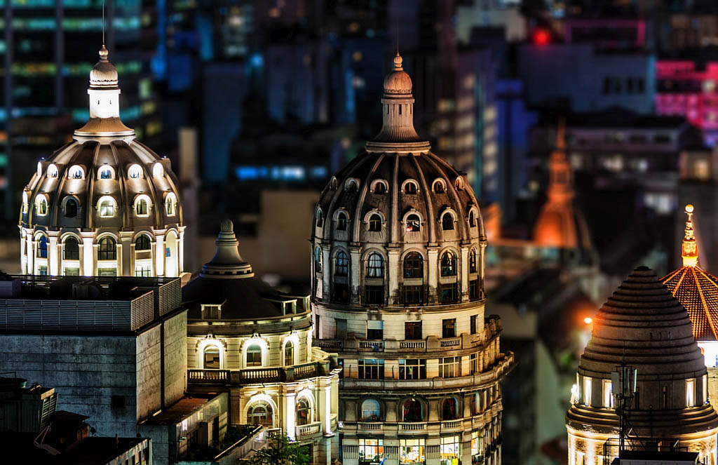 El Foton 2015. Arquitectura y Patrimonio Cultural. Cuarto Puesto. Manuel Savariz Santos . Argentina - Cúpulas del Bencich - Tomada en Buenos Aires el 26/5/14