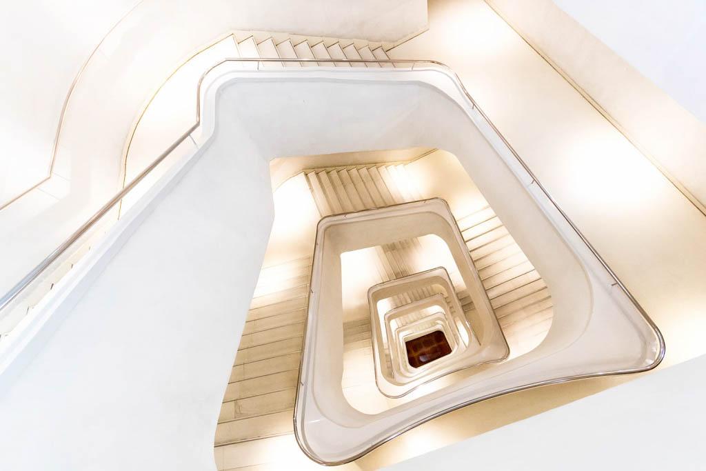 El Foton 2015. Arquitectura y Patrimonio Cultural. Sexto Puesto. ARTURO MONTES DE OCA FORNELL. ESPAÑA - Escalera de luces - Tomada en Madrid el 18/12/2014