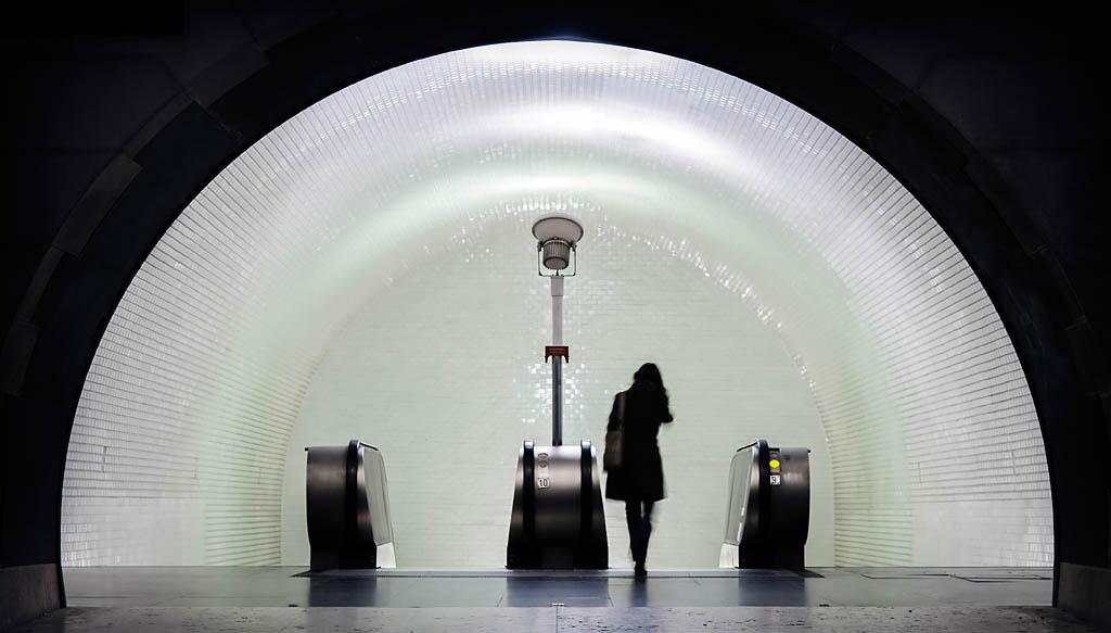 El Foton 2015. Arquitectura y Patrimonio Cultural. Segundo Puesto.Mario Pereda. Night Train - Tomada en Lisboa el 10/01/2009