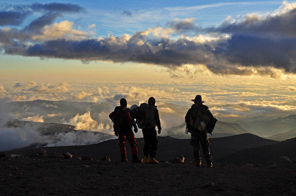 El Foton 2015. Aventura.  Tercer Puesto.  Mariano Nicolas Olaciregui Ecuador.Desde lo alto - Tomada en Chimborazo - Ecuador el 09/06/11