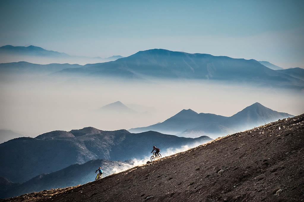 El Foton 2015. Aventura.  Séptimo Puesto. Cristóbal Venegas Vasquez Chile - descenso en la cordillera de los Andes  - Tomada en Cordillera de los Andes, Chile el 20-06-2015